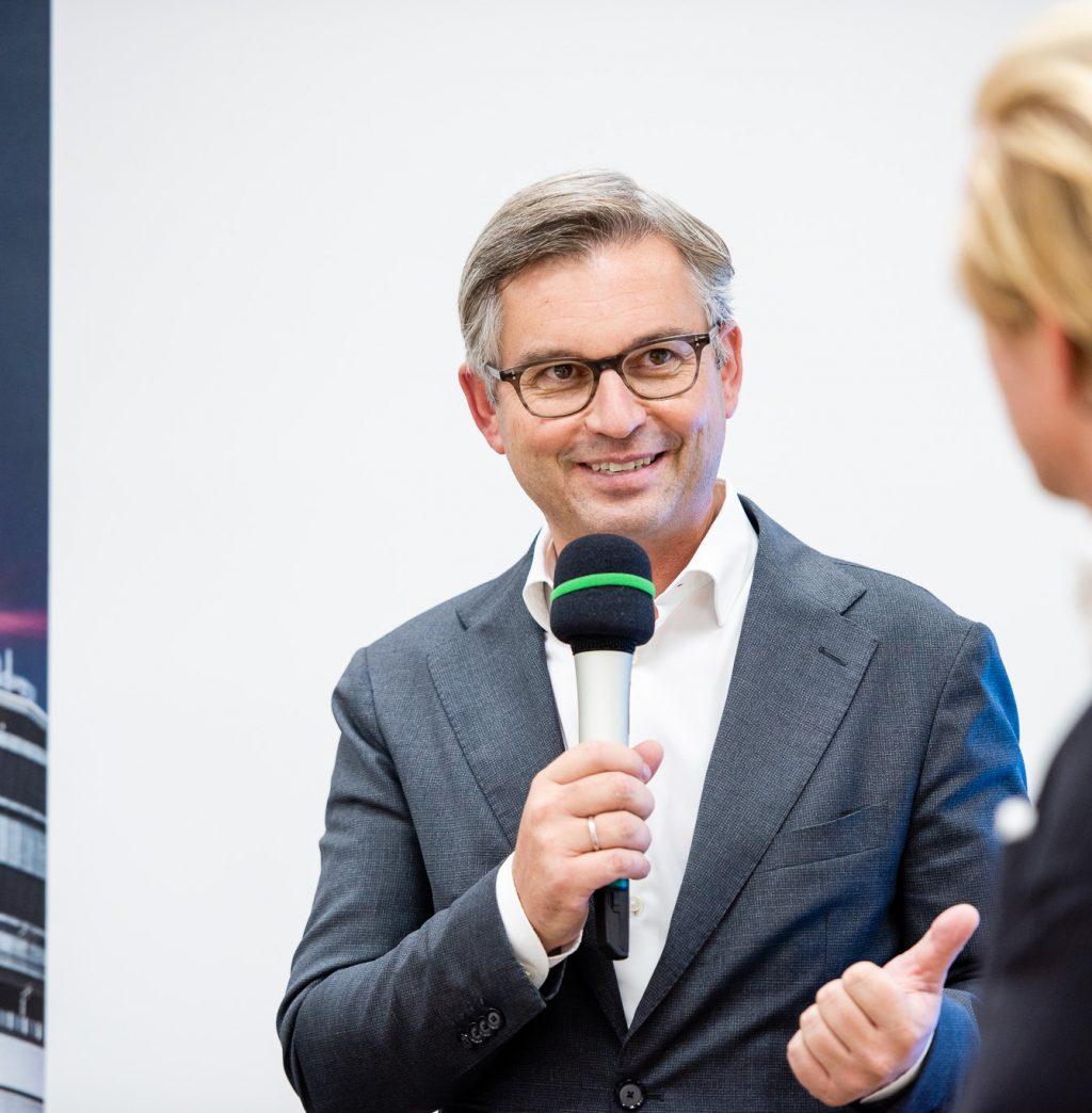 Staatssekretär Dr. Magnus Brunner beim ExpertInnen-Panel © Zsolt Marton